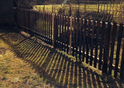 Picket garden fencing