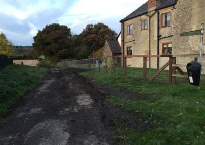 Horse wire fencing